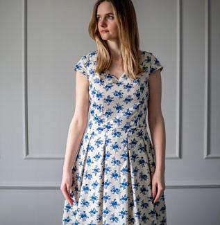 Sukienka do karmienia Lily- gozdziki