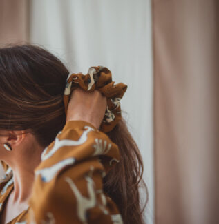 materiałowa gumka do włosów
