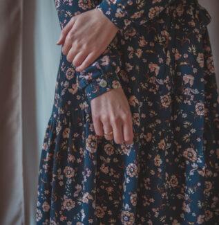Lara flower blue