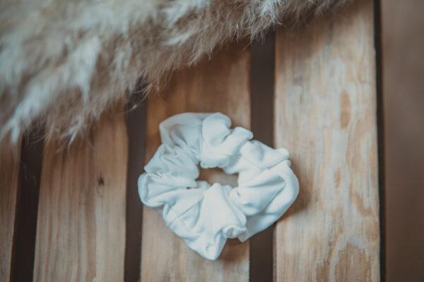 Materiałowa gumka do włosów-ecru