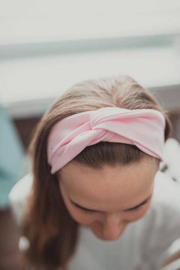 Materiałowa opaska na głowę - pudrowa